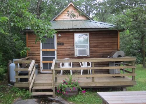 Ontario cabins on lake of the Woods for family vacations, Hunting Ontario, Fishing Ontario, Bird Watching