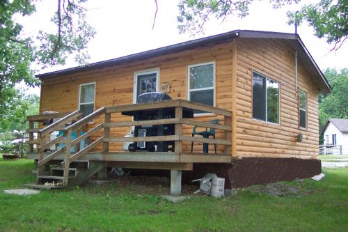 Lakeview cabins on Lake of the Woods for Ontario fishing, Ontario hunting, bird watching.